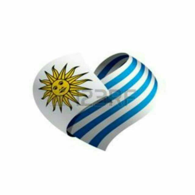 This image has an empty alt attribute; its file name is bandera-uruguaya.jpg